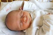 """Dalibor Mička se narodil 17. srpna, vážil 2,615 kg a měřil 45 cm. """"Hlavně zdraví, ať nám hezky roste,"""" popřáli svému prvorozenému synovi do života rodiče Hana a Radek z Bohdanovic."""