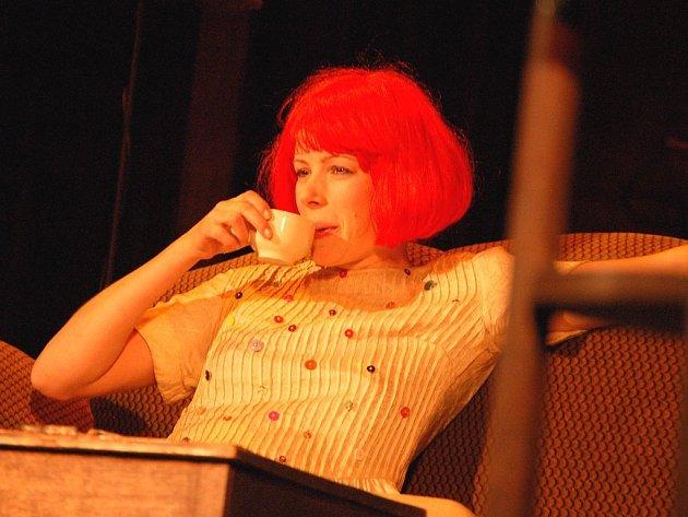 Opavský kulturní festival Další břehy pokračoval mimo jiné také divadelním představením Divadla na prádle z Prahy nazvaným I motýli jsou volní.