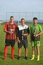Fotbalový memoriál Afréda Bitomského, nejlepší hráč brankář a střelec, brankář je v civilu.