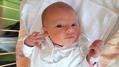 Karolínka Savická se narodila 8.července, vážila 3,51 kilogramů a měřila 51 centimetrů. Rodiče Nina a Richard z Opavy a celá rodina jí přejí hodně zdraví, radosti a Božího požehnání.