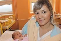 """Linda Kolečkářová se narodila 16. prosince, vážila 3,43 kg a měřila 51 cm. Rodiče Ivana a Antonín ze Štěpánkovic svému prvnímu miminku do života přáli: """"Zdraví, lásku a štěstí."""""""