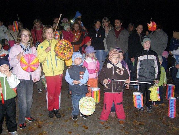 Děti v Hlučíně zamykaly les.