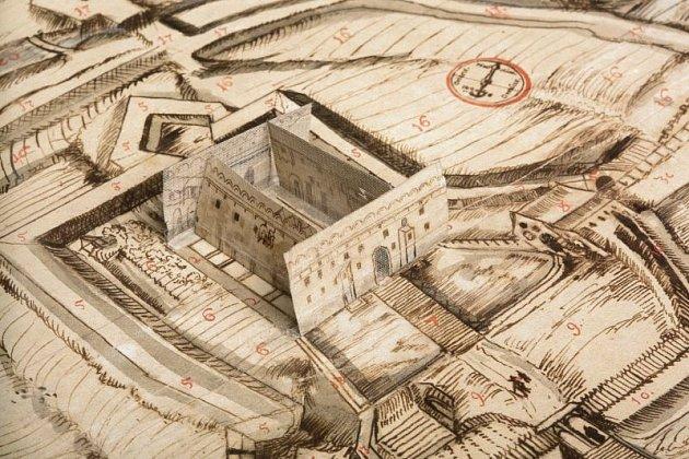 Vminulosti byl Müllerův dům součástí areálu opavského přemyslovského hradu, který byl vybudován mezi léty 1377a 1404vně hradeb, oddělen od města příkopem spalisádou. Po přestavbě vletech 1607až 1634se stal dům součástí lichtenštejnského zámku.