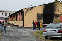 Požár výrobní haly v Oticích, 30. října 2011. Ilustrační foto.