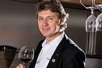 Alexandr Burda spolupracuje s hotelem Lanterna ve Velkých Karlovicích.