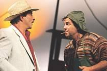 Kostas Zerdaloglu (Vincenzo) s Erikem Pardusem (Fortunato) dojednávají obchod.