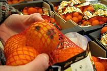 Redakce v úterý dopoledne uskutečnila miniprůzkum. Zjišťovala, který ze tří náhodně vybraných marketů nabízí lidem nejhorší ovoce a zeleninu.