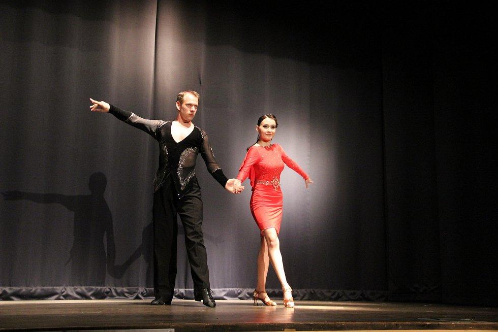 Oslava Mezinárodního dne tance proběhla již podeváté pod taktovkou tanečního studia Tany Tany a její vedoucí Evy Afry Grambalové v opavském Kulturním domě Na Rybníčku.