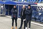 Jan Nezmar (uprostřed) sledoval v sobotu v Polsku Opavu
