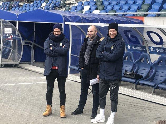 Jan Nezmar (uprostřed) sledoval vsobotu vPolsku Opavu
