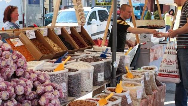 Farmářské trhy začali v Hlučíně organizovat v roce 2012.