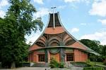 Občané Chuchelné kostel využívají už skoro dvacet let.