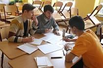 Studenti poměřili znalosti v soutěži, která se skládala z projektové práce, vědomostního testu a prezentace.
