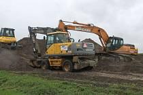 V místech za Kauflandem v Opavě-Kateřinách byly zničehonic zahájeny stavební práce. Ačkoli ale souvisí s výstavbou severního obchvatu, jedná se jen o přípravné fáze. Momentálně zde probíhá archeologický proůzkum, který potrvá asi rok.