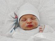 Milkuláš Ihn se narodil 19. května, vážil 3,72 kilogramů a měřil 52 centimetrů. Rodiče Monika a Jakub z Chlebičova přejí svému prvorozenému synovi do života hodně zdraví, štěstí a lásky.