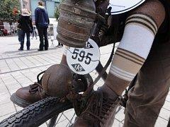 Historické označení má i kolo velocipedisty Petra Mayera.