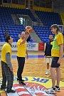 Basketbalový biatlon i regulérní zápas. Opavští basketbalisté si zahráli s Radostí.