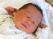 Viktorie Kotzianová se narodila 30. května, vážila 4,24 kilogramů a měřila 54 centimetrů. Rodiče Monika a Marek z Hněvošic jí do života přejí zdraví a štěstí. Na Viktorku už doma čekají sourozenci Radek a Sebastian.