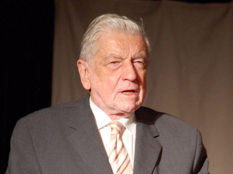 Jiří Urbanec i v pokročilém věku stále aktivně působil na Slezské univerzitě.