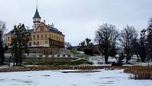 O cenu cestovního ruchu kraje se uchází také raduňský zámek.
