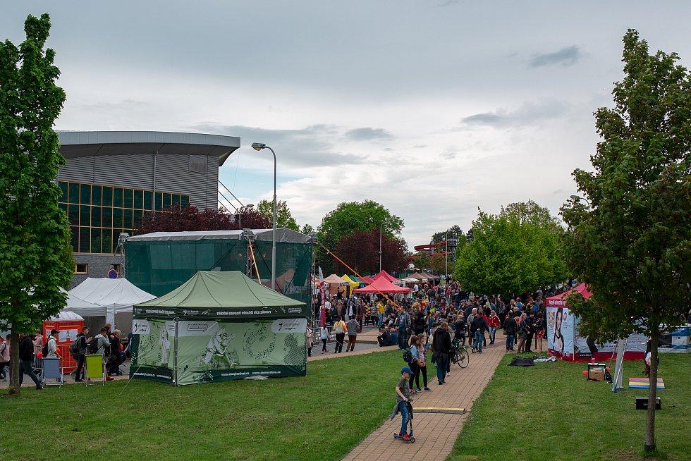Takový byl Opavský majáles v roce 2019. Open Air festival pod širým nebem v Městských sadech.