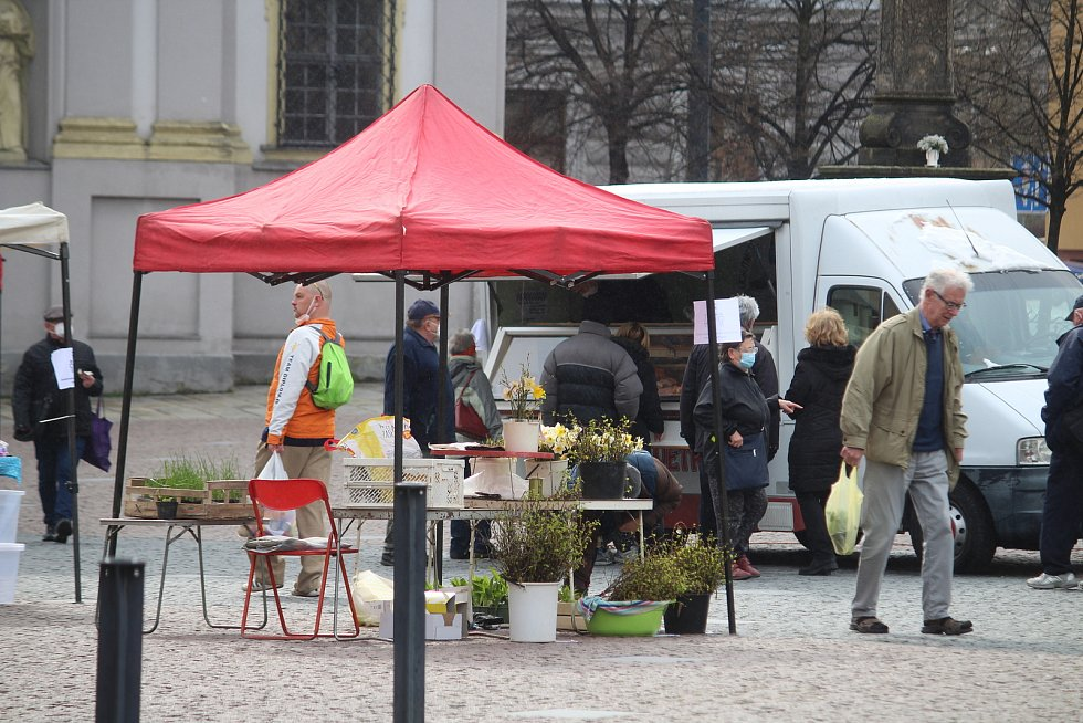 Farmářské trhy na Dolním náměstí.