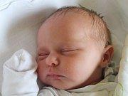 Melánie Macová se narodila 11. listopadu, vážila 3,63 kilogramu a měřila 48 centimetrů. Rodiče Adriana a Josef z Dolních Životic jí do života přejí zdraví a spoustu splněných snů. Na sestřičku už doma čeká bráška Vojta.