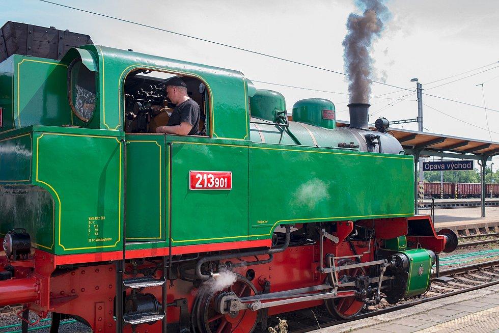 Běžný provoz expresu od 29. května zatím zůstává beze změn, ani nedošlo k jeho omezení. Vlak by měl opět jezdit vždy v pátek večer a třikrát denně o sobotách, nedělích a svátcích.