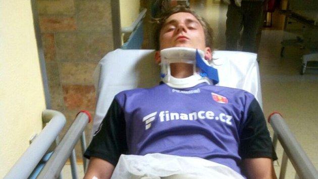 Michal Rubý z Raduně skončil po napadení šilheřovických hráčů v nemocnici.