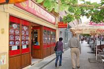 Asijský bufet na Ostrožné ulici patří k navštěvovanějším prodejnám v Opavě.