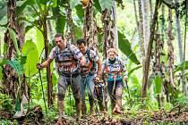 Tomáš Petreček, extrémní sportovec z Opavy,  společně se svým týmem musel absolvovat také dlouhé etapy v džungli.