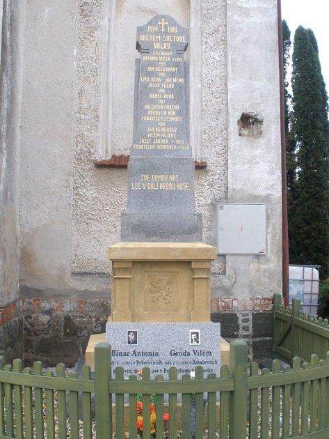 Nově zrekonstruovaný památník v Bohučovicích je vzpomínkou na oběti z I. i II. světové války.