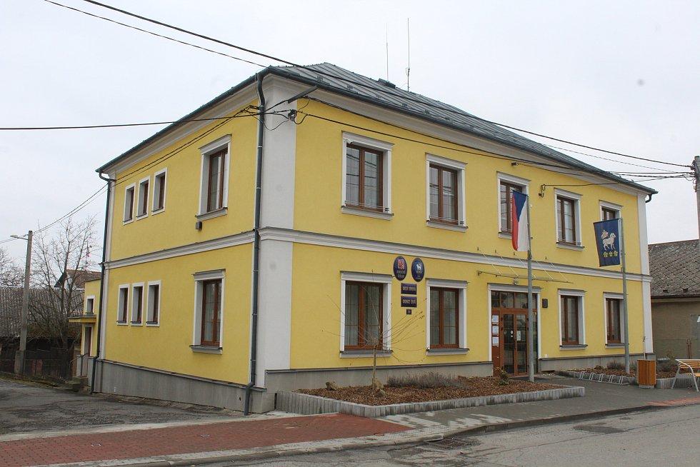 Obecní úřad ve Stěbořicích.