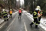 Kvůli silnému větru musely například do Skřipova jednotky hasičů z Bílovce a z Hradce nad Moravicí.