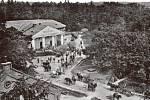 Vojenský hřebčín schovem jezdeckých koní pro armádní potřeby Hostouň na Šumavě byl před druhou světovou válkou evakuovaný a po válce byl přemístěn na Opavsko do Albertovce.