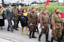 Na ruském vojenském hřbitově v Hlučíně byly v neděli pohřbeny ostatky ukrajinského letce Rudé armády Vasilije Alexejeviče Staška.