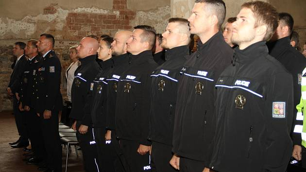 Představení nových policistů v Opavě.
