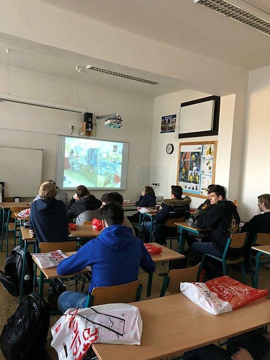 Studenti Středního odborného učiliště stavebního Opava.