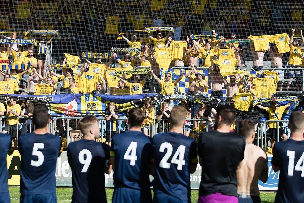 Zápas 30. kola Fortuna národní ligy (FNL) mezi SFC Opava a SK Sigma Olomouc v Opavě 28. května 2017. Fanoušci SFC Opava.