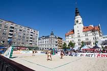 Víkend se v Opavě nesl ve znamení plážového volejbalu a to velkém stylu. Slezská metropole hostila první podnik  Cool cupu, který se řadí do nejvyšší kategorie turnajů v republice. (na fotografii finále žen)