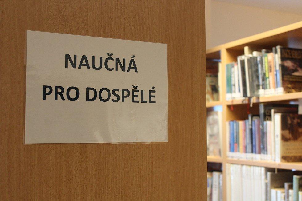 Obecní dům Kobeřice, knihovna.