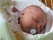 Josef Kastl se narodil 8. února, vážil 3,49 kilogramů a měřil 49 centimetrů. Rodiče Katka a Lukáš z Kobeřic mu do života přejí především zdraví. Na brášku se už doma těší sestřička Barborka.