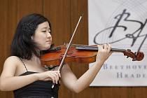 Kangryum Nam z Jižní Koreje, vítězka violové soutěže.