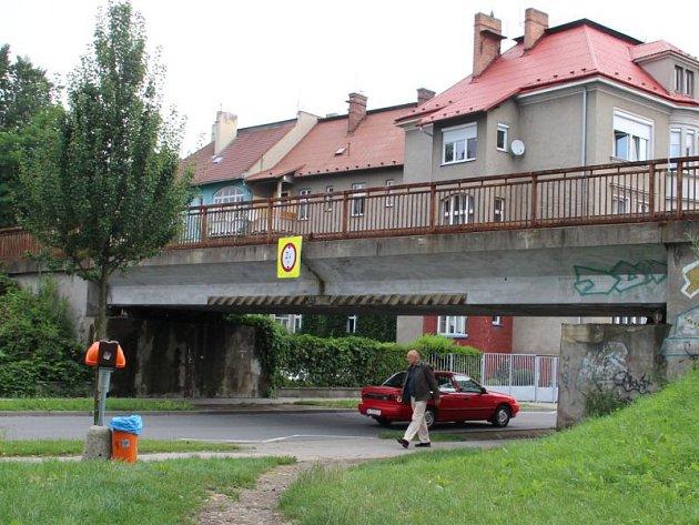 Dílčí úpravy se od října dotknou viaduktu na Englišově ulici.