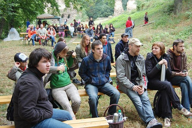 Happening na zřícenině hradu Vikštejn navštívilo loni více než dvě stě diváků. Díky sdružení ONUCA se akce bude opakovat.