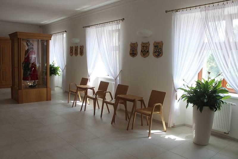 Interiér zámku v Oldřišově.
