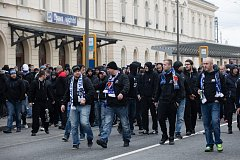 Pochod fanoušků Baníku Opavou, březen 2017. Ilustrační foto.