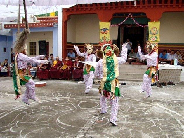 Jak vypadá posvátný rituální tanec buddhistických mnichů, budete moci na vlastní oči zhlédnout za týden v Opavě.