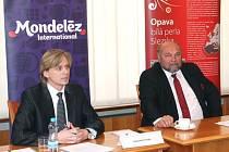 Primátor Zdeněk Jirásek (ČSSD), vpravo.