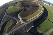 Suchá protipovodňová nádrž Loděnice je už hotová